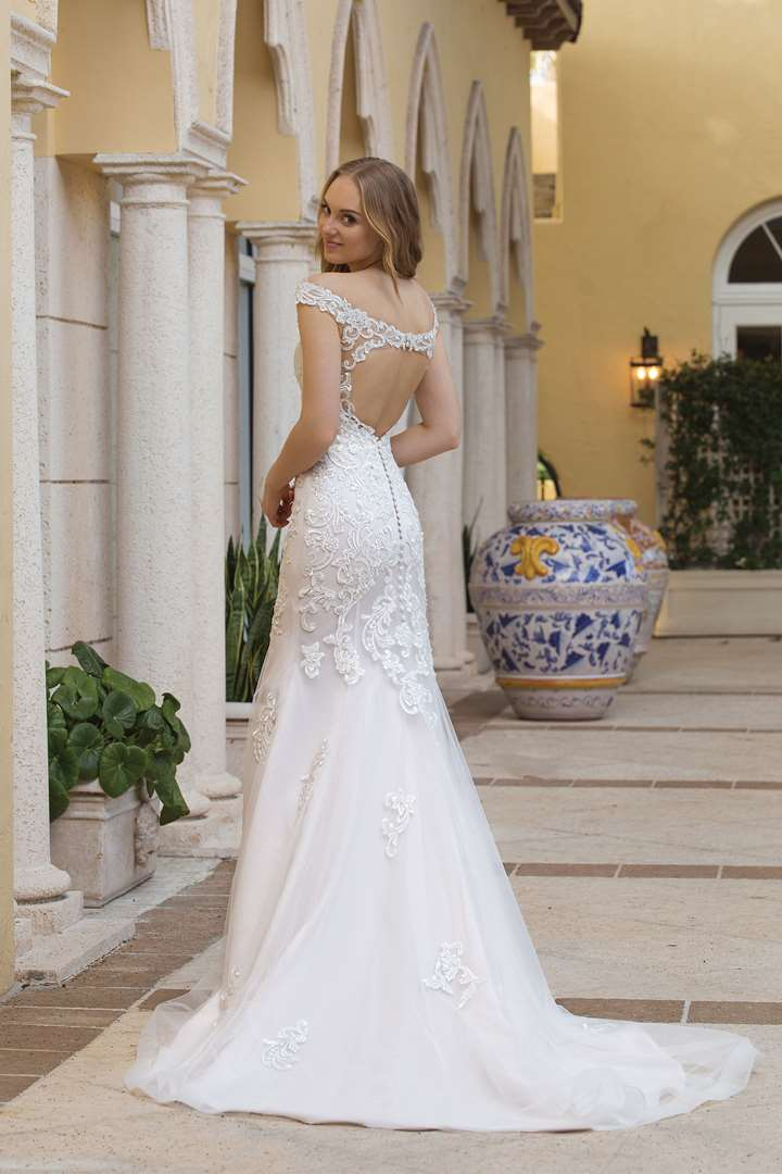 Булчинска рокля, Сватбена рокля