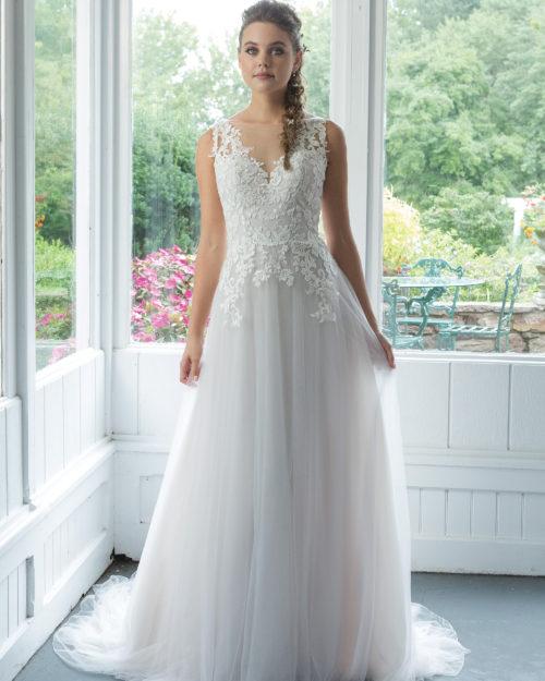 Сватбена рокля от дантела