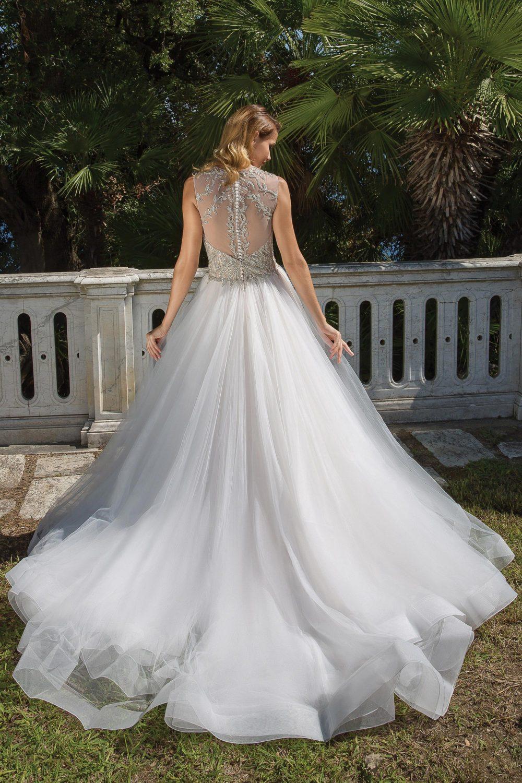 Булчинска рокля с камъни, булчинска рокля от тюл, булчинска рокля принцеса
