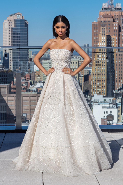 Булчинска рокля с камъни, булчинска рокля висша мода, булчинска рокля А-линия