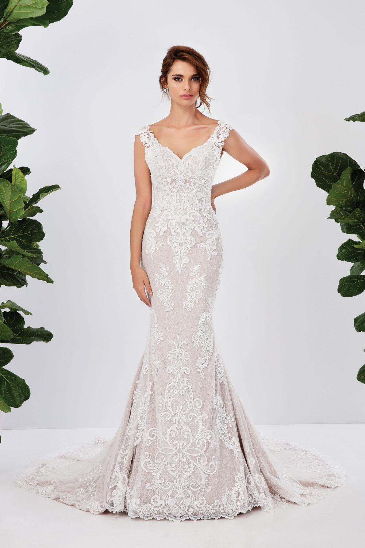 Сватбена рокля от дантела, сватбена рокля русалка , булчинска рокля с шлейф