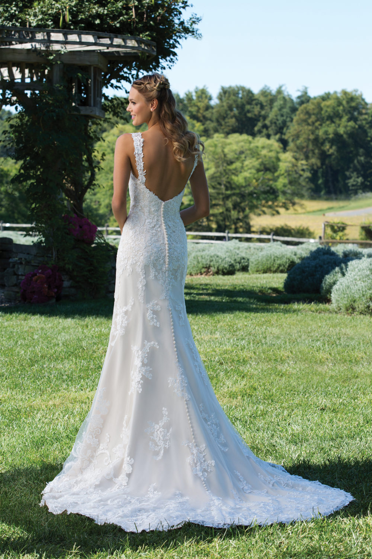 Сватбена рокля тип русалка, Сватбена рокля с дантела, Сватбена рокля по тялото