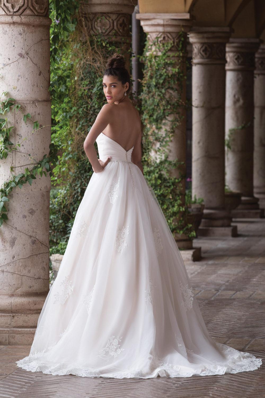 Сватбена рокля принцеса, Сватбена рокля от тюл и дантела, сватбена рокля със сърцевидно деколте