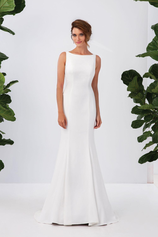 Изчистена булчинска рокля, булчинска рокля от креп, булчинска рокля с красив гръб