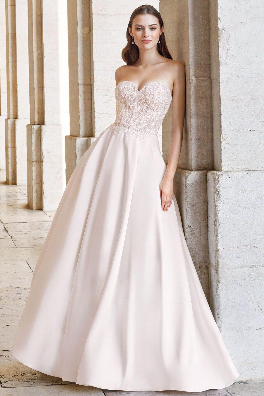 Булчинска рокля ADORE, Булчинска рокля от Микадо, булчинска рокля със сърцевидно деколте, булчинска рокля А-линия,