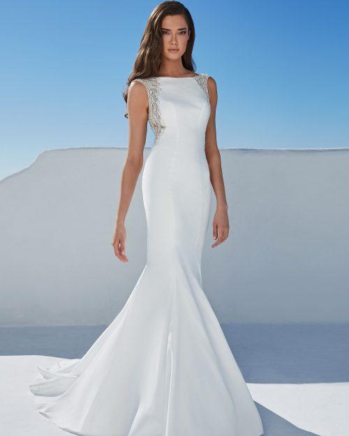 Права булчинска рокля, Американски сватбени рокли, булчинска рокля висша мода, Булчинска рокля от креп, Булчинска рокля с камъни, булчинска рокля с гол гръб,