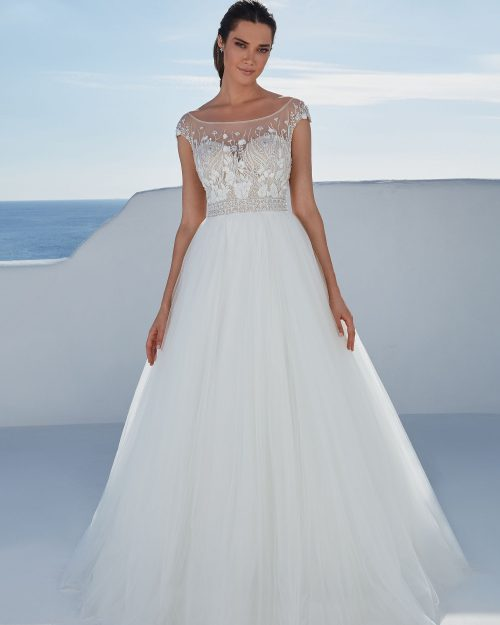 Булчинска рокля със Сабрина деколте, Булчинска рокля с лодка деколте, Булчинска рокля с 3D цветя, булчинска рокля А-линия, булчинска рокля бродирана дантела, булчинска рокля висша мода